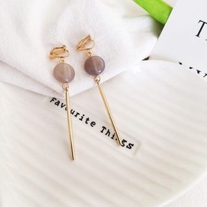 Accessories - Gold color drop earring